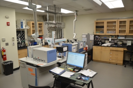 isotope lab Stable isotope lab about the stable isotope lab facilities are available in the department of geological sciences and engineering in the college of science to perform stable isotope.